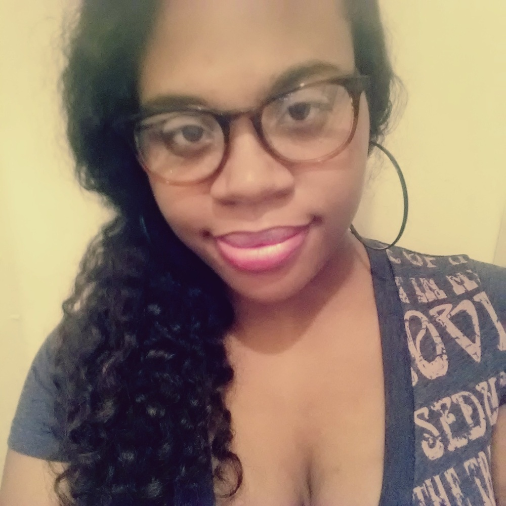 Sanaa Brooks in Warby Parker durand frames