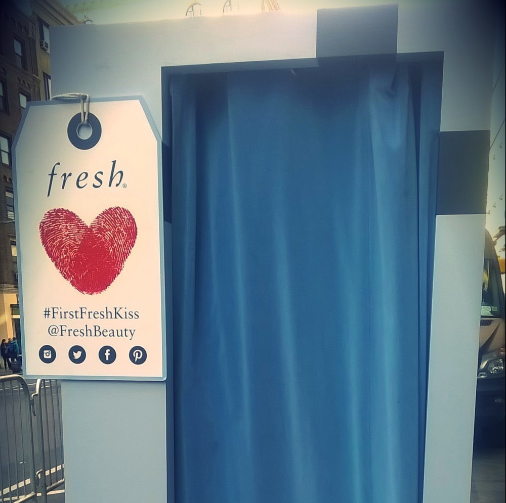 Fresh first kiss booth